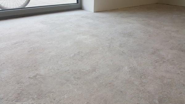 Anhydriet vloer geschikt maken voor vloerbedekking van de kuil